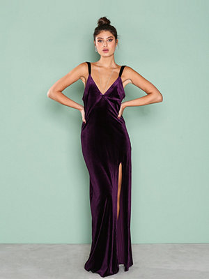 NLY Eve Velvet Dream Gown Lila