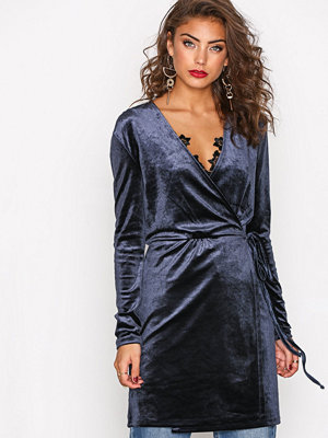 Vila Vivelvetine Short Dress/2 Blå