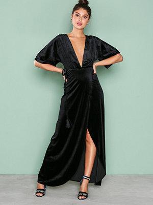 NLY Eve Velvet Kimono Gown Svart