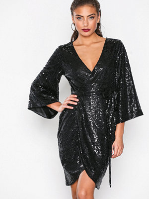 NLY One Sequin Wrap Dress Svart