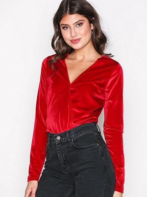 NLY Trend Wrapped Velvet Top Röd