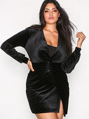 NLY One Twist Dot Velvet Dress Svart