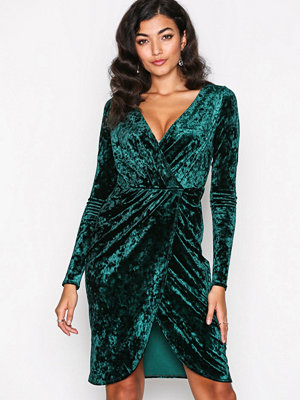 NLY One Wrap Velvet Dress Grön
