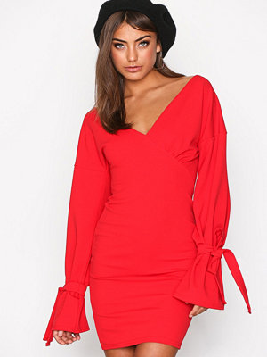 NLY Trend Block Tie Sleeve Dress Röd