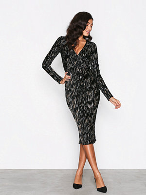 NLY One Luxe Velvet Dress Svart