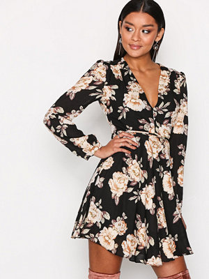Glamorous Long Sleeve Flounce Dress