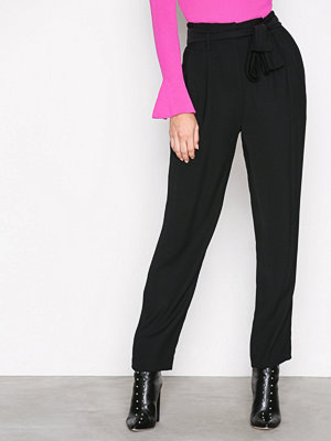 MICHAEL Michael Kors svarta byxor Crt Shape Pleated Pant Black