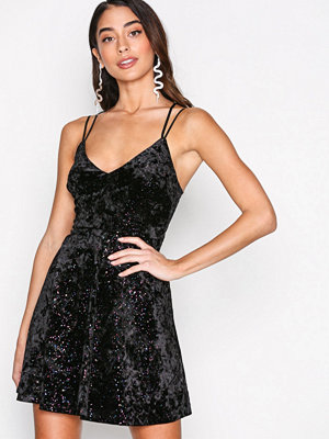 New Look Glitter Velvet Dress Black