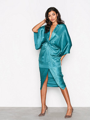 NLY One Satin Twist Dress Grön