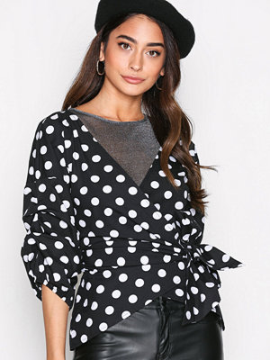 NLY Trend Wrap Shoulder Blouse Dots