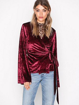 NLY Trend Crushed Velvet Wrap Top Burgundy