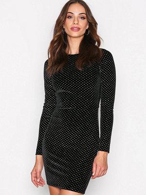 NLY Trend Sparkle Dot Velvet Dress Svart
