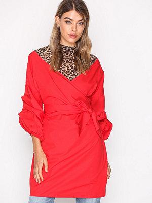 NLY Trend Wrap Shoulder Dress Lollipop