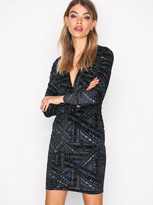 NLY Trend Famous V Drop Dress Silver/Blue