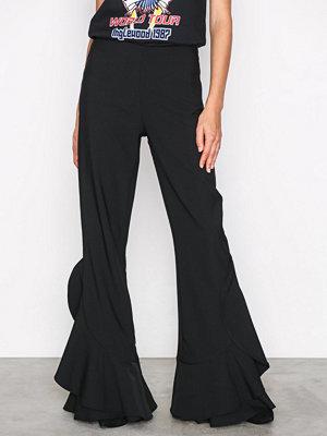 NLY Trend svarta byxor Flowy Wide Pants Svart