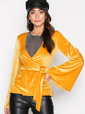 NLY Trend Wide Velvet Wrap Top Mustard