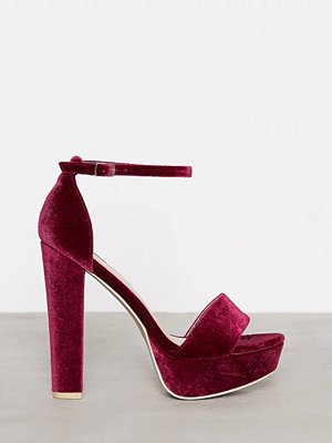 NLY Shoes Platform Heel Sandal Berry