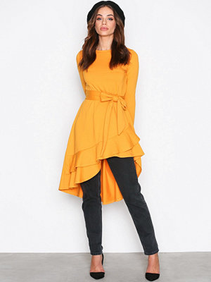 NLY Trend High Low Frill LS Dress Mustard