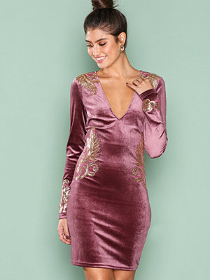 NLY One Decore Velvet Dress Rosa
