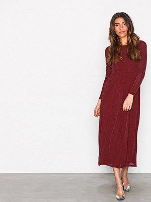 Sisters Point Gia Dress Vinröd