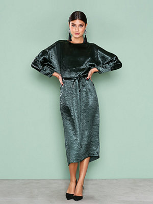 NLY Trend Midi Satin Dress Mörk Grön