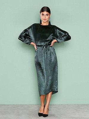 NLY Trend Midi Satin Dress