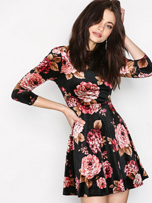 New Look Floral Velvet Dress Black