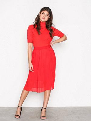 Neo Noir Briette Skirt Red