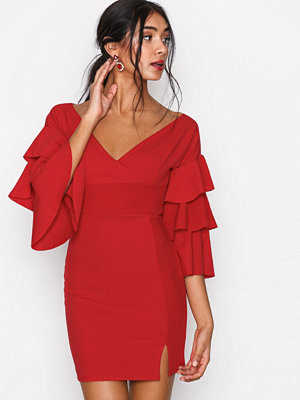 Missguided Off Shoulder Tier Sleeve Bodycon Dress Red