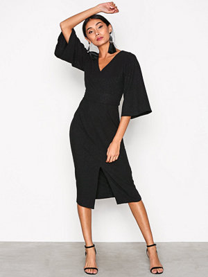 Closet V-Neck Flared Sleeve Dress Black