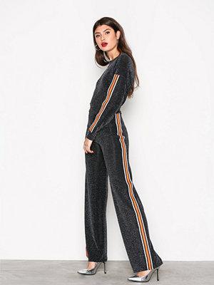 NLY Trend Sporty Lurex Stripe Set Svart