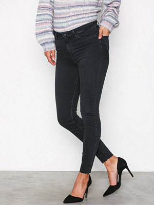 New Look Raw Hem Skinny Shape Jeans Black