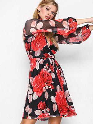NLY Trend Print Mesh Wrap Dress Röd Mönstrad