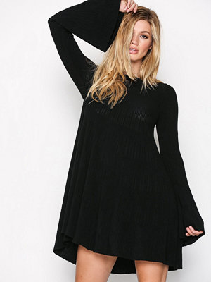 Topshop Fluted Sleeve Knitted Dress Black