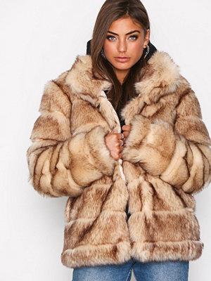 Fuskpälsjackor - NLY Trend Puffy Fur Coat Beige