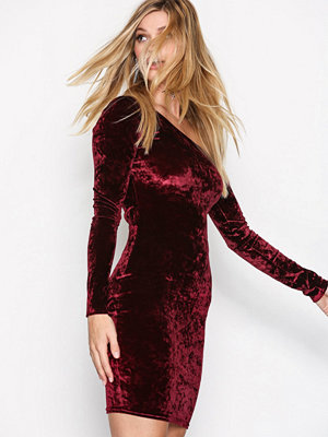 NLY Trend One Shoulder Velvet Dress Burgundy