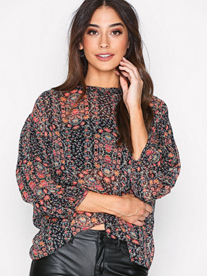 Hunkydory Floral Pleat Blouse Floral