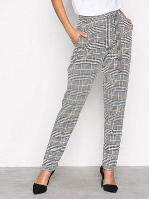 NLY Trend rutiga byxor Dressed Check Pants Rutig