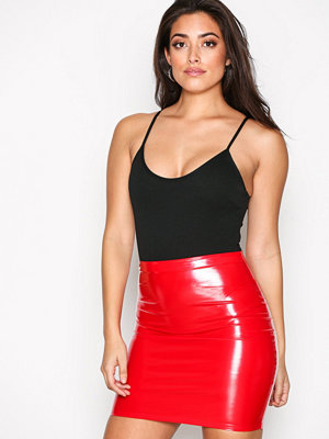 NLY One Patent Short Skirt Röd