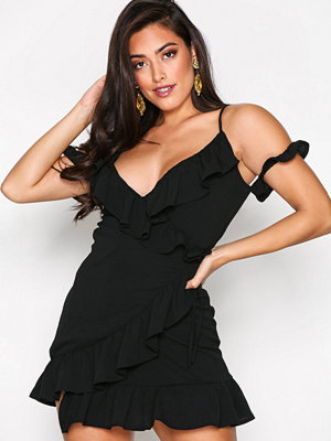 Missguided Cold Shoulder Ruffle Tea Dress Black