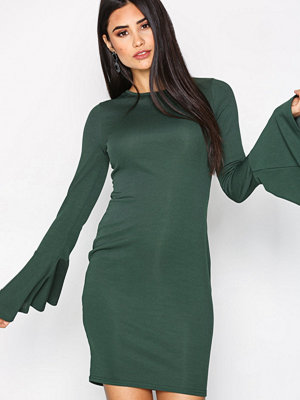 NLY Trend Wide Sleeve Rib Dress Mörk Grön