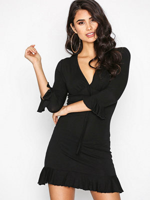 Missguided Plunge Wrap Dress Black