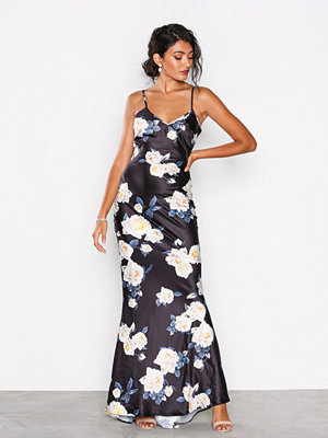 NLY Eve Floral Tail Gown Mönstrad