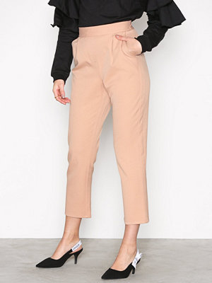 NLY Trend beige byxor The It Chinos Ljus Rosa