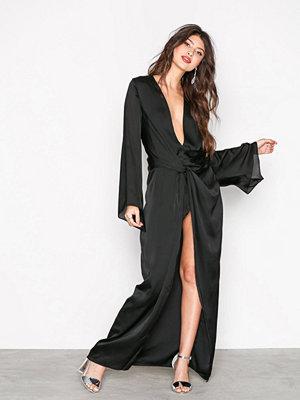Missguided Satin Plunge Maxi Kimono Black