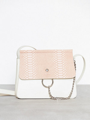 NLY Accessories omönstrad axelväska Crossover Ring Bag Vit/Rosa