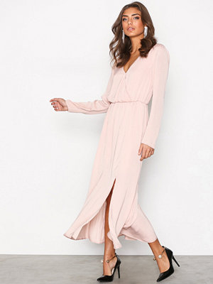 NLY Trend Dream Dress Ljus Rosa