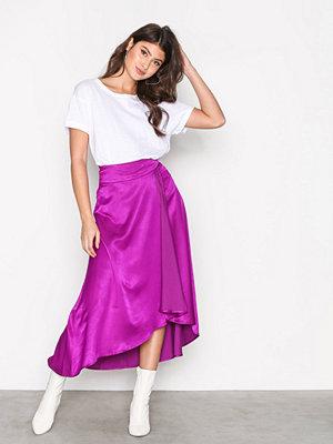 NLY Trend Flowy Wrap Skirt Lila