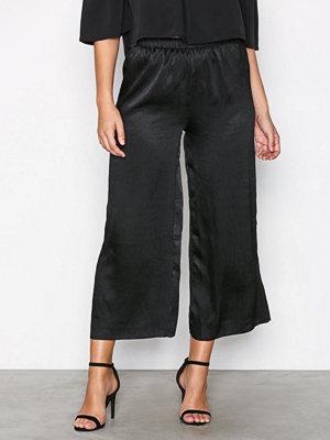 Glamorous svarta byxor Pleated Pants Black