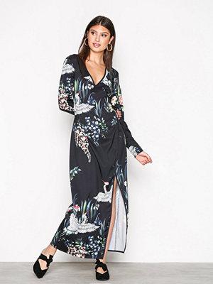 NLY Trend Kimono Dress Svart Mönstrad